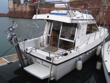 La barca accessibile Primo Pensiero della associazione Sport Insieme Livorno