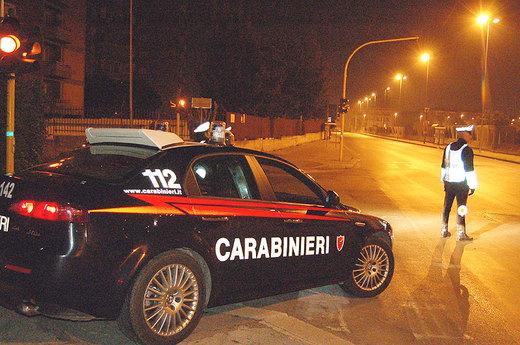 Risultati immagini per controllo carabinieri auto