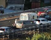 """Ancora un incidente in Variante: 10 auto coinvolte. Fuori strada in v. Firenze e pedone """"preso"""" a S. Trinita"""