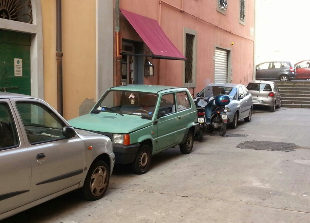 L'INGRESSO DEL PUB ALCATRAZ IN VIA MALENCHINI