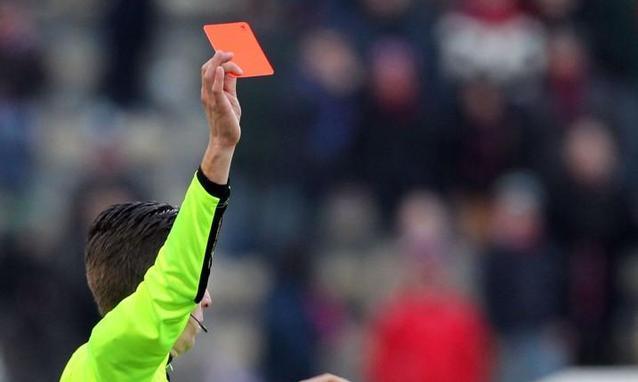 Squalifica ridotta se picchi l'arbitro marocchino: la storia di Rachid