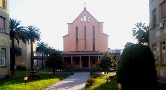 """Rubano le ostie consacrate in chiesa.  Don Razzauti: """"Allarme messe nere"""""""