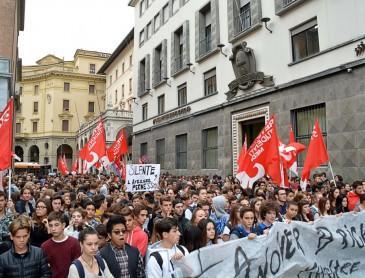 Studenti, 500 in corteo  contro la buona scuola