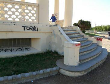 Terrazza, ancora vandali