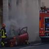 auto fuoco via grande vigili fuoco pompieri