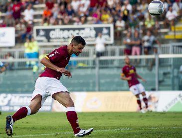 Livorno – Racing Roma 1-0. Monologo amaranto per 90′. Curva: raccolti 1.050 euro