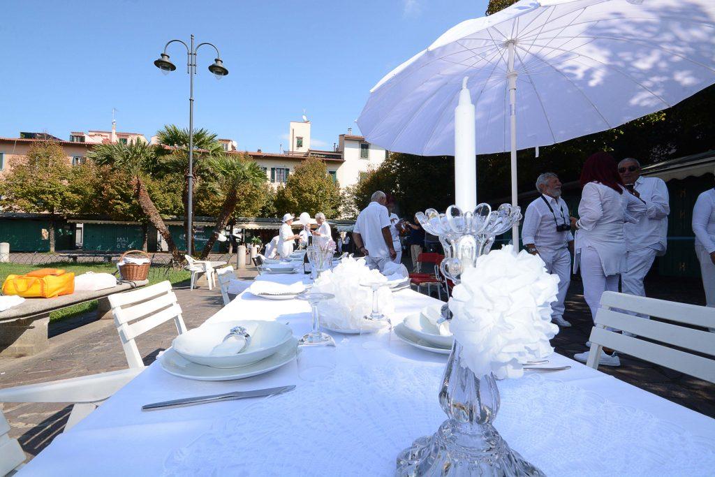 pranzo in bianco (Foto Lanari)