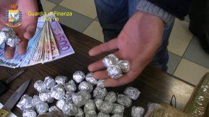 droga finanza soldi sequestro