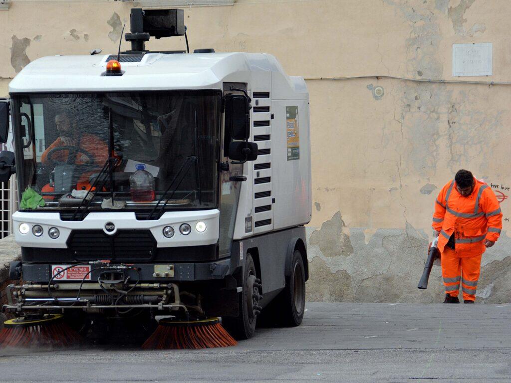 spazzini avr spazzatrice pulizia venezia