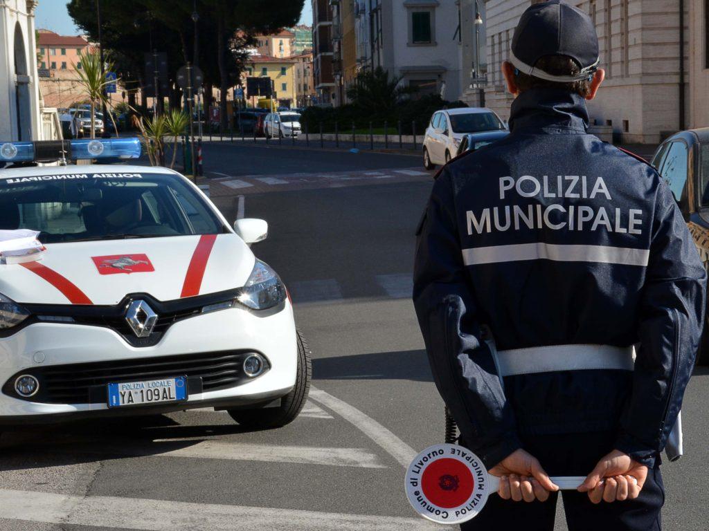 polizia municipale controlli foto Simone Lanari