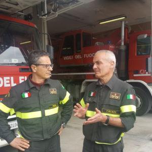 Francesco Notaro (a sinistra) e Paolo Chiavacci (a destra) si scambiano i saluti di rito e qualche consiglio