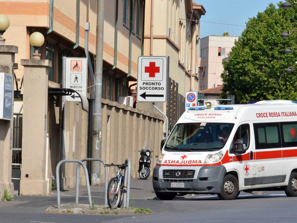 ospedale pronto soccorso croce rossa ambulanza foto Simone Lanari