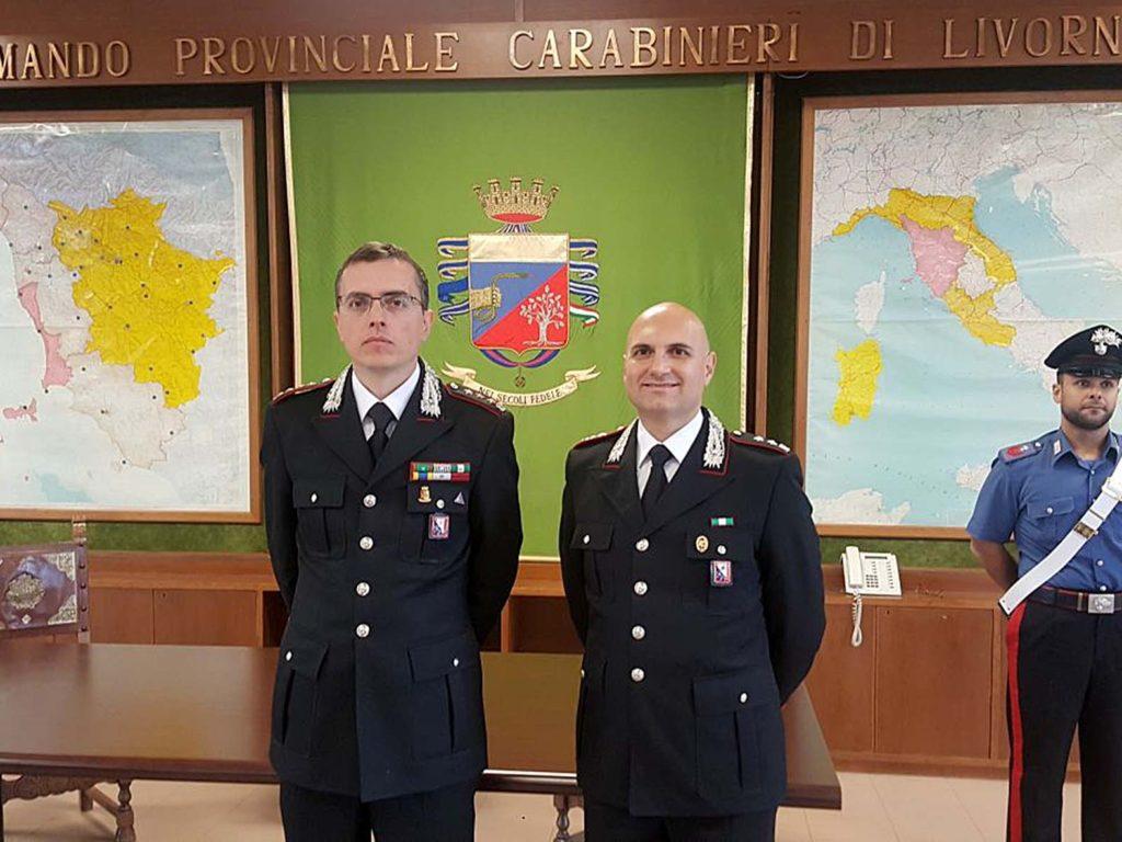 IL COMANDANTE PROVINCIALE ALESSANDRO MAGRO (A SINISTRA) ACCANTO AL COMANDANTE DEL REPARTO OPERATIVO, IL TENENTE COLONNELLO ARMANDO AGO
