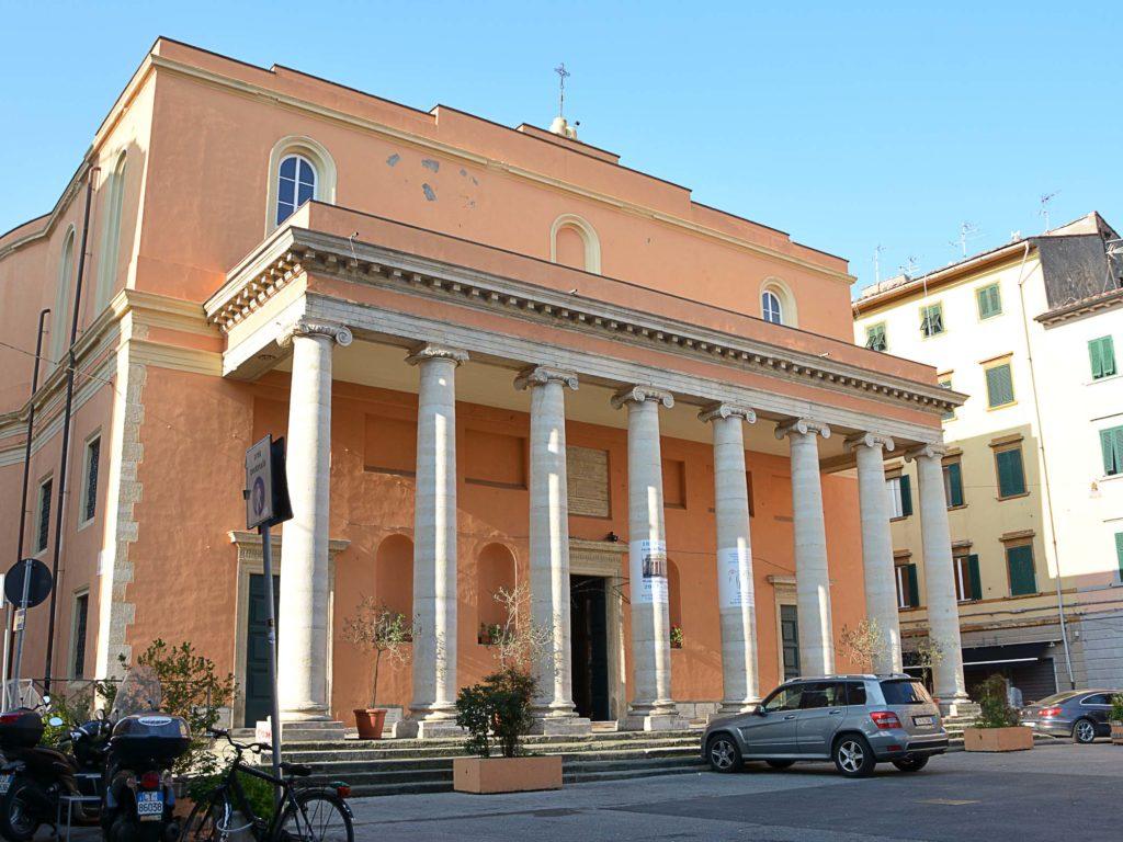 chiesa piazza xx foto Simone Lanari