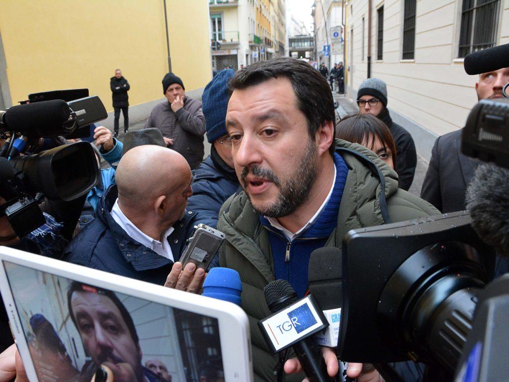 Livorno Matteo Salvini arriva in città  tra le contestazioni foto Simone Lanari