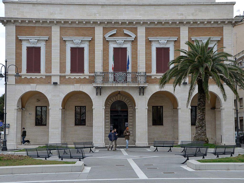 piazza del municipio provincia foto Simone Lanari