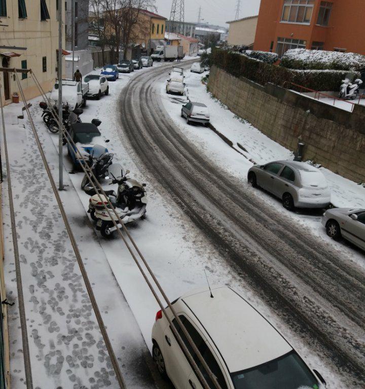 Neve in via Provinciale Pisana