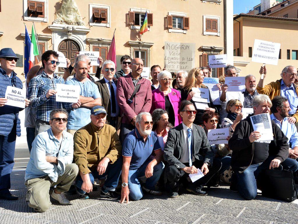 Protesta contro gli stalli blu foto Simone Lanari