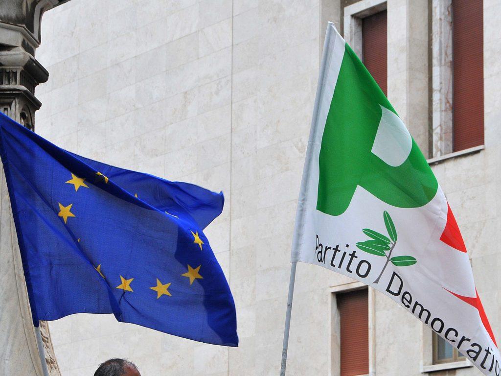 Manifestazione PD sotto la Prefettura foto Simone Lanari