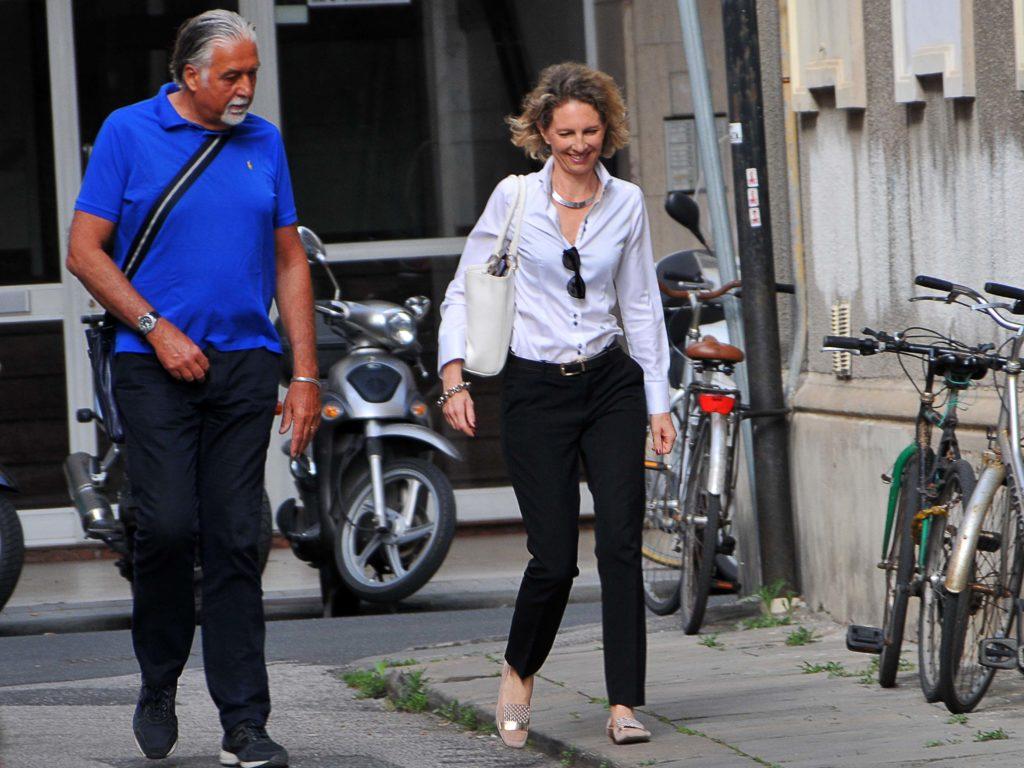 Riccardo Stefanini entra in tribunale di via Falcone e Borsellino accompagnato dal suo avvocato Nicoletta Ricci (foto Lanari)