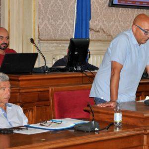 Riccardo Pucciarelli e Andrea Morini durante la commissione sul canile foto Simone Lanari