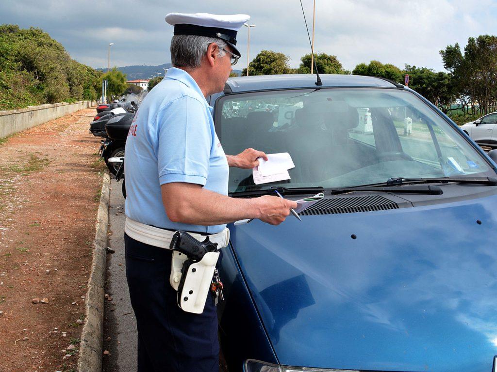 polizia municipale controlli viale italia multe foto Simone Lanari