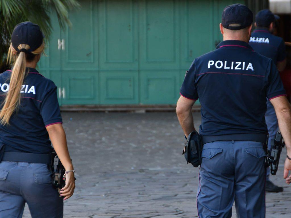 Polizia 113 controlli piazza Garibaldi Foto Simone Lanari