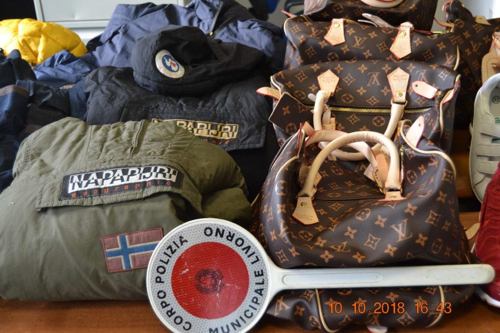 861dfecfa3 Borse e capi d'abbigliamento contraffatti: sequestrati 51 oggetti ...