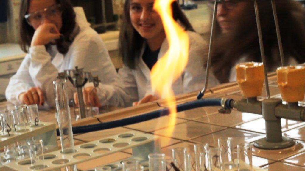 Esperienze in laboratorio di chimica