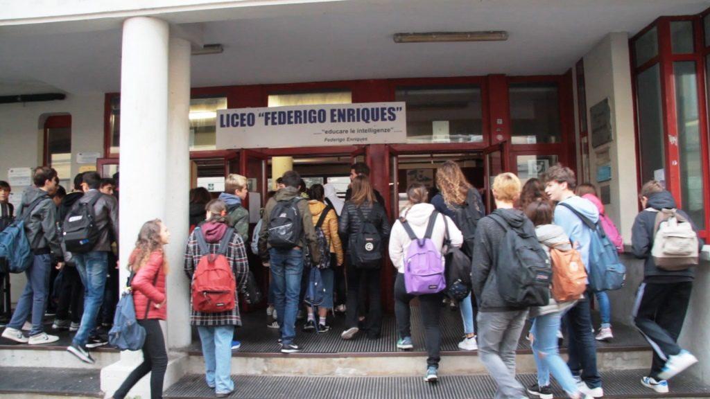 Liceo Enriques entrata