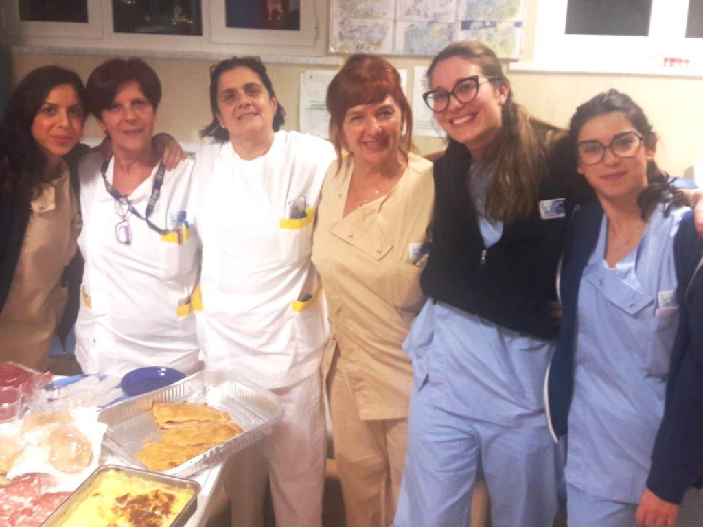 Turno ostetrico-oss dell'Ostetricia-sala parto- nido ospedale di Livorno Vigilia di Natale. Da sinistra; Fabiana, Sonia, Susy, Marzia, Daiana e Letizia