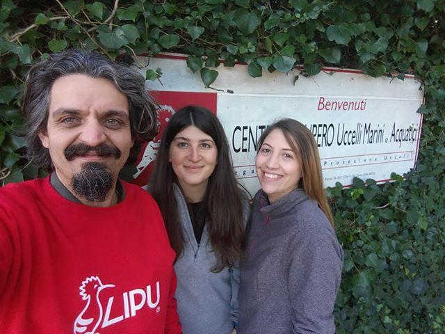 I volontari Lipu del centro di recupero uccelli marini e acquatici di Livorno, si prendono cura della fauna selvatica senza sosta, anche nei giorni di festa! auguri a tutti!