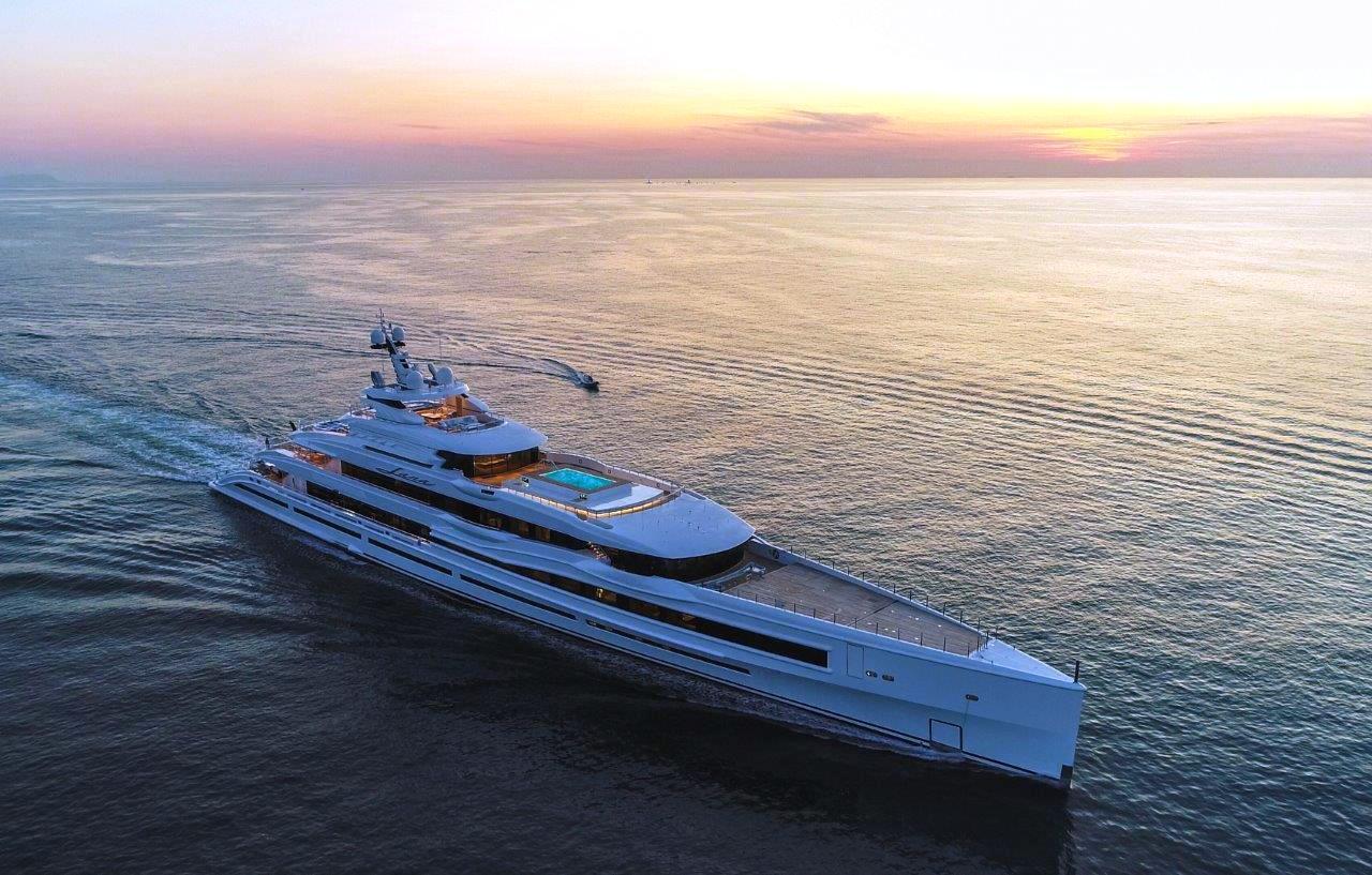 """""""Lana"""", lo yacht of the year di 107 metri costruito in città"""