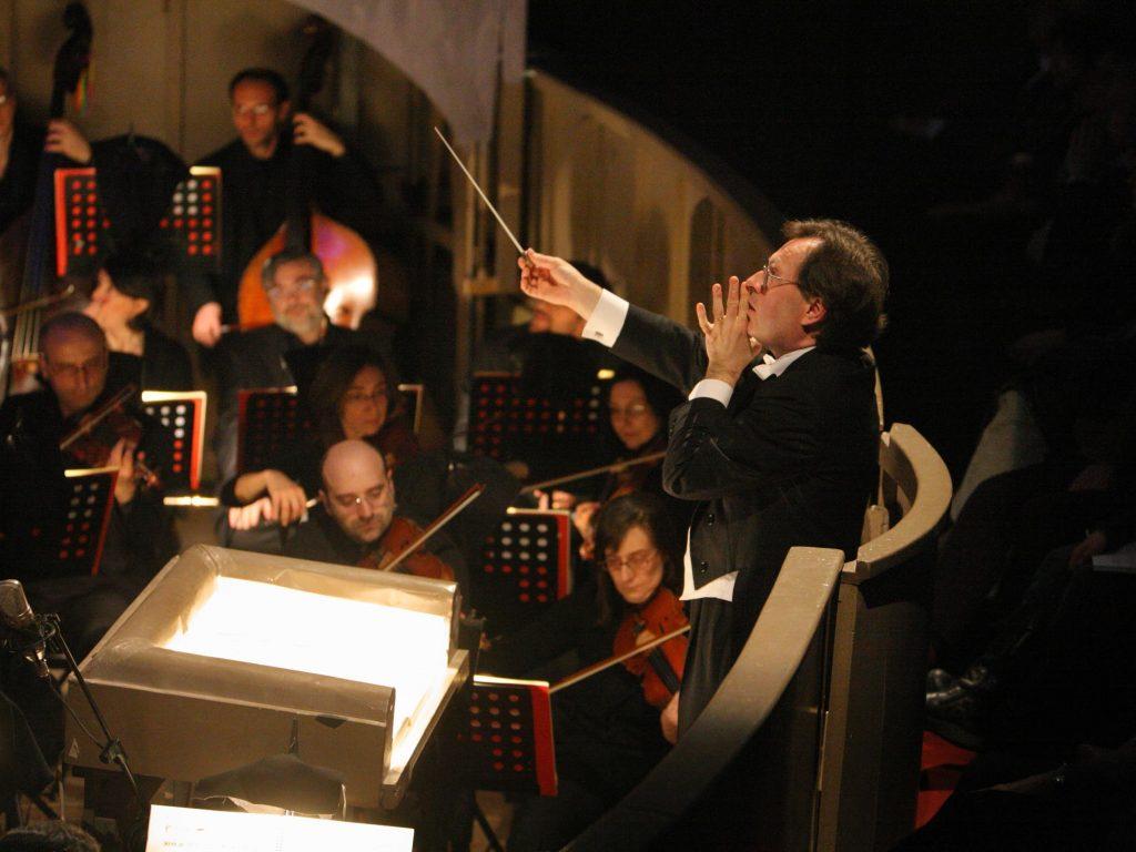 IL CAPPELLO DI PAGLIA DI FIRENZE il direttore Giuseppe DI STEFANO Stagione lirica 2006-2007 Bari, Teatro Piccinni foto di Vito Mastrolonardo