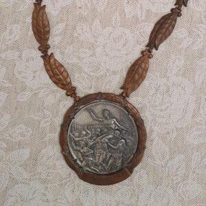 La medaglia d'argento vinta da Vaselli nel fioretto a squadre Olimpiadi di Roma 1960